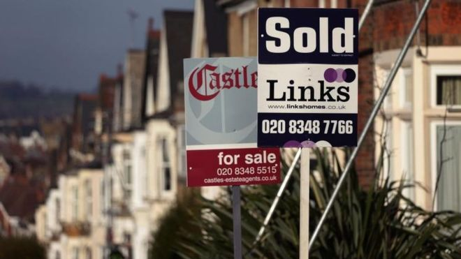 UK house prices and sales 'losing momentum'